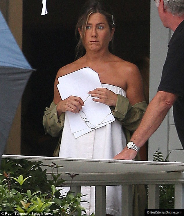 "Pictured: Jennifer Aniston during filming of ""Mother's Day""."