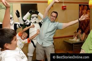 Fogle exercises at a Subway franchise with storm troopers and children.